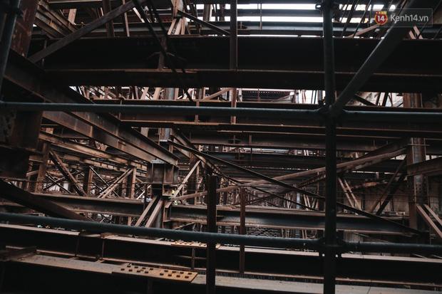 Flycam cận cảnh nhà ga ngầm trung tâm Bến Thành, công trình phức tạp nhất vì kết nối 4 tuyến Metro ở Sài Gòn - Ảnh 8.