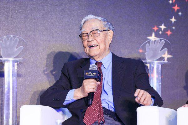 """60 năm nghiên cứu ung thư, chuyên gia 91 tuổi tiết lộ 4 yếu tố gây ung thư cực nhanh, xuất hiện """"cận kề"""" nhưng không phải ai cũng biết phòng ngừa  - Ảnh 2."""