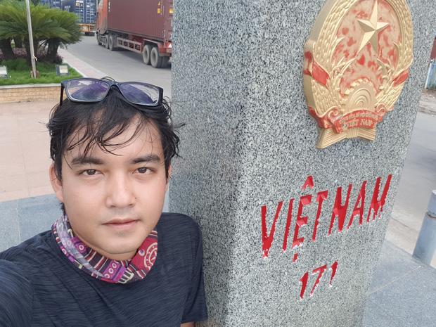 Chàng trai đi phượt bằng xe máy suốt hơn 3 năm qua 62 quốc gia, 6 châu lục sẽ trở về Việt Nam vào ngày mai - Ảnh 3.