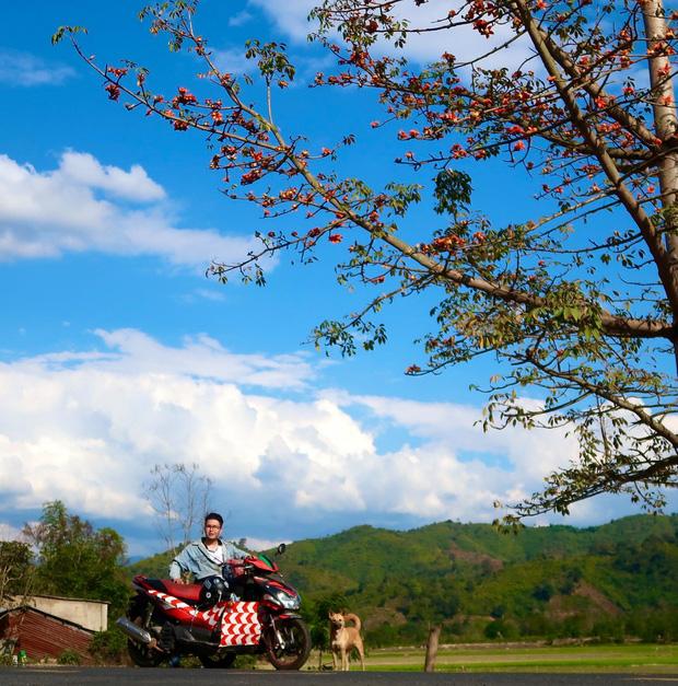 Đi phượt 30 tỉnh/thành bằng xe lăn, nam thanh niên 29 tuổi mong có bằng lái quốc tế để chinh phục các nước láng giềng - Ảnh 4.