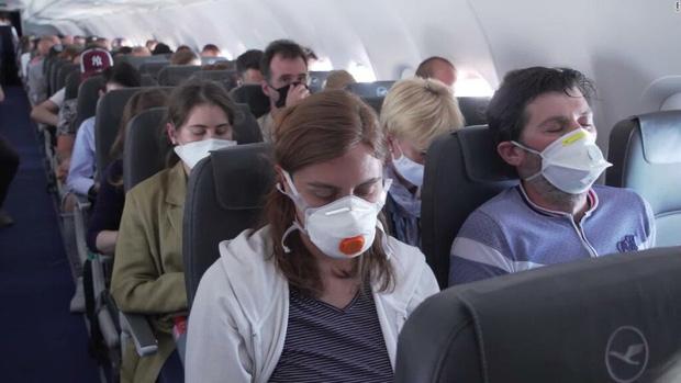 Hàng không thời Covid-19: Đây là trải nghiệm trên các chuyến bay lớn nhất châu Âu ngay lúc này - Ảnh 1.