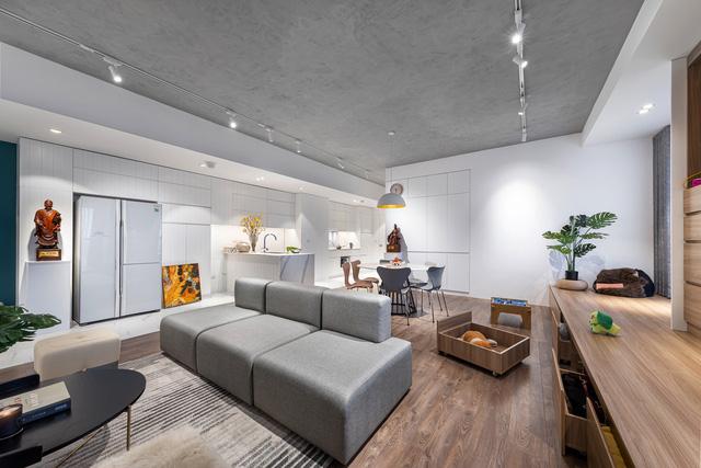 Căn hộ 130 m2 ở trung tâm Hà Nội phá vỡ mọi nguyên tắc thiết kế truyền thống  - Ảnh 1.
