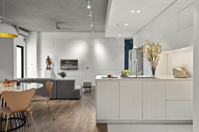 Căn hộ 130 m2 ở trung tâm Hà Nội phá vỡ mọi nguyên tắc thiết kế truyền thống  - Ảnh 4.