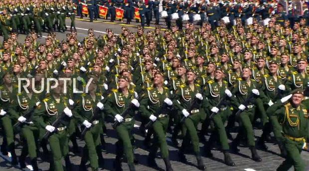 Mãn nhãn với màn duyệt binh hoành tráng nước Nga mừng 75 năm chiến thắng Thế chiến II: 14.000 binh sĩ, 234 khí tài cơ giới và 75 máy bay - Ảnh 21.