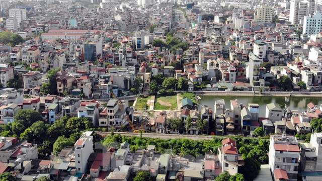 Nhìn gần con đường nghìn tỷ ở trung tâm Hà Nội sau hai năm làm được vài trăm mét  - Ảnh 4.