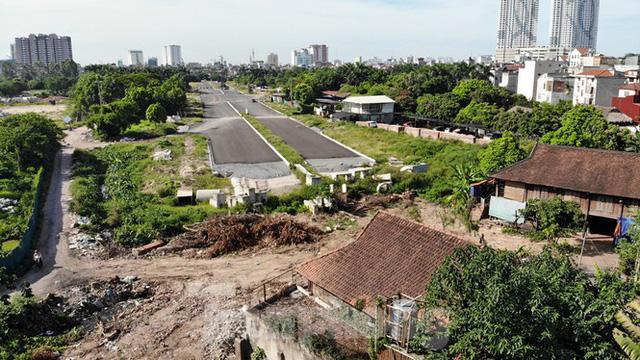 Nhìn gần con đường nghìn tỷ ở trung tâm Hà Nội sau hai năm làm được vài trăm mét  - Ảnh 5.