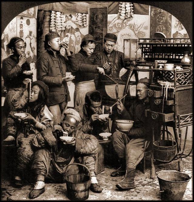 Loạt ảnh quý giá phản ánh chân thật cuộc sống người Trung Quốc trong giai đoạn biến động từ cuối thời nhà Thanh đến thời Dân Quốc - Ảnh 9.