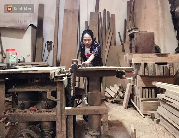 """Bỏ công việc 30 triệu/tháng, mẹ trẻ về làm nghề thợ mộc để """"khắc tiếp ước mơ của bố"""" - Ảnh 8."""