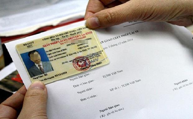 Bằng A1 không được lái SH, B1 không được lái ô tô theo dự thảo luật sửa đổi - Ảnh 1.