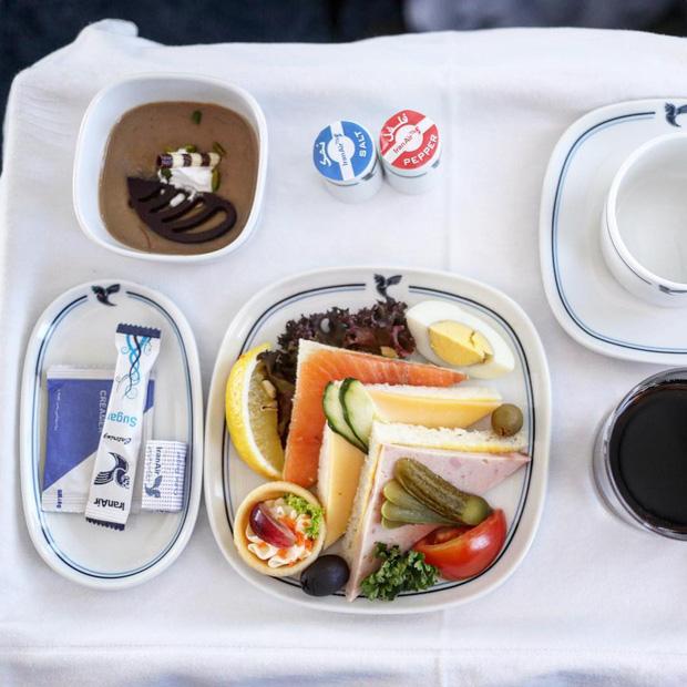"""Những hãng hàng không có suất ăn máy bay còn """"xịn"""" hơn nhà hàng 5 sao, 1 cái tên của Việt Nam cũng góp mặt trong danh sách - Ảnh 6."""