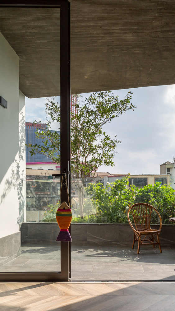 Ngôi nhà 49m2, 3 thế hệ cùng chung sống tại Hà Nội được giới thiệu trên báo Mỹ - Ảnh 8.