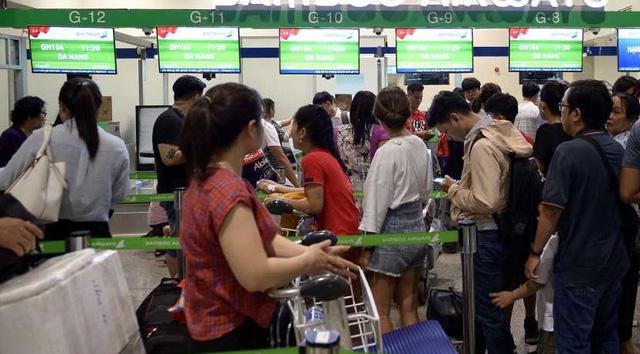 Nhịp sống hồi phục hậu COVID-19: Nhìn từ 2 sân bay lớn nhất Việt Nam - Ảnh 3.