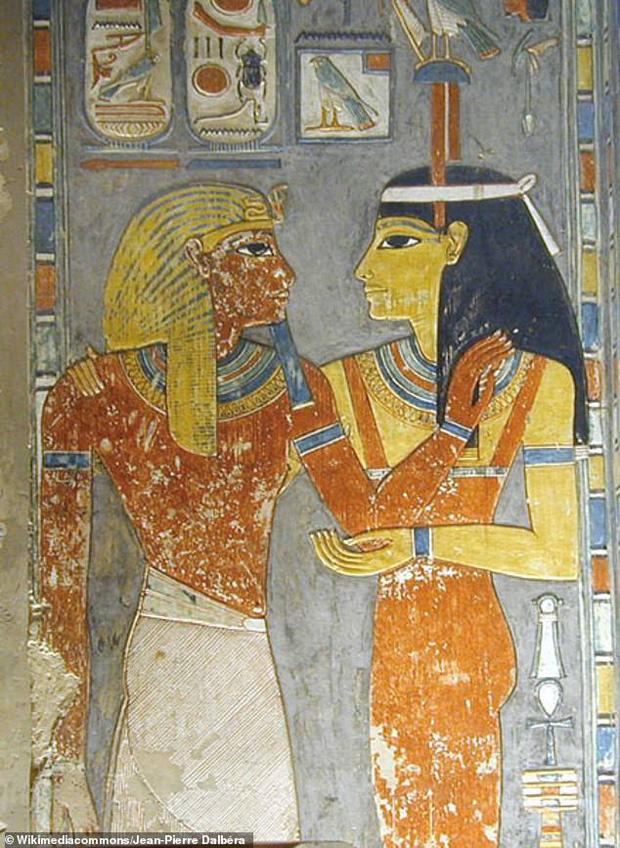 Đưa xác ướp 3.000 năm tuổi của công chúa Ai Cập ra khỏi quan tài, phát hiện bức chân dung bí ẩn cùng hàng loạt câu hỏi chưa có lời giải đáp - Ảnh 5.