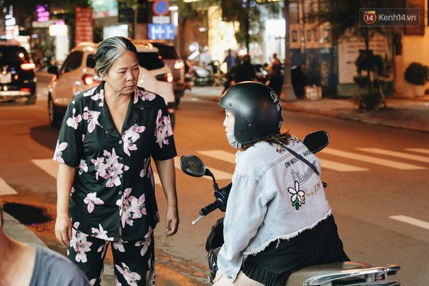 Có một chợ đêm Bến Thành buồn đến nao lòng: Khách Việt còn không có chứ nói chi khách nước ngoài - Ảnh 14.