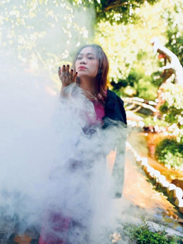 Sau khi bị chê phản cảm, hiện tại khu du lịch Quỷ Núi gần Đà Lạt đã mặc quần áo cho các bức tượng - Ảnh 3.