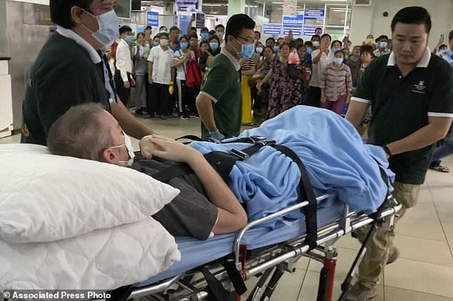 Báo quốc tế đưa tin bệnh nhân 91 xuất viện, bày tỏ ngưỡng mộ Việt Nam - Ảnh 4.