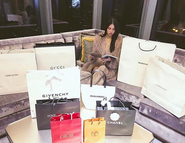 Hoa hậu rich kid Jolie Nguyễn: Vi vu nước ngoài, tậu đồ hiệu mỏi tay, tuyên bố tiêu 500 triệu/tháng không cần đại gia - Ảnh 6.