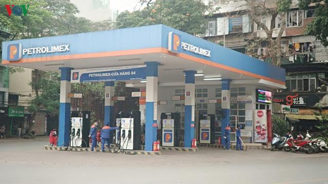 Nhà đầu tư ngoại có thể chiếm giữ 35% cổ phần phân phối xăng dầu  - Ảnh 1.