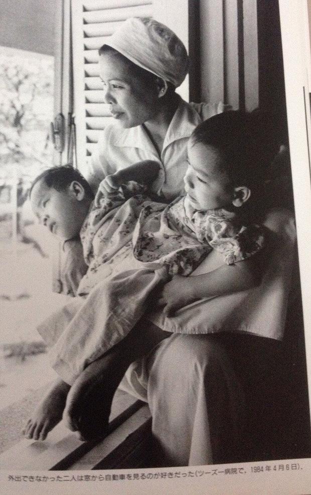 Bác sĩ mổ tách cặp song sinh Việt - Đức 32 năm trước: Dù rất khó khăn nhưng nếu ai ở trong vị trí của tôi đều cảm thấy hạnh phúc - Ảnh 3.