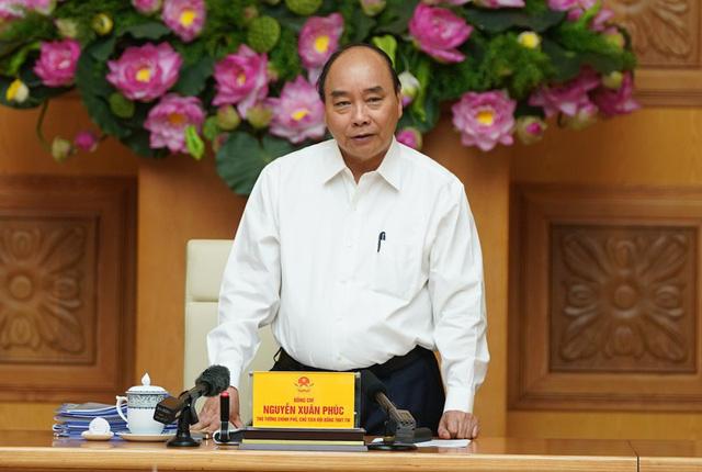 Thủ tướng: Công tác thi đua phải góp phần không làm nền kinh tế đứt gãy  - Ảnh 1.