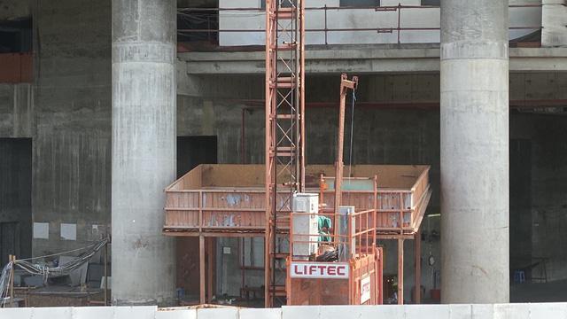 Cận cảnh cao ốc đắp chiếu, làm xấu bộ mặt trung tâm Sài Gòn  - Ảnh 11.