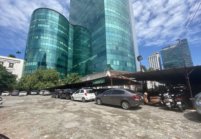 Cận cảnh cao ốc đắp chiếu, làm xấu bộ mặt trung tâm Sài Gòn  - Ảnh 16.