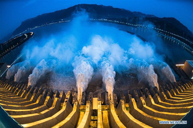 Đợt lũ thứ hai tràn về, nước hồ chứa đập Tam Hiệp cao kỷ lục  - Ảnh 4.
