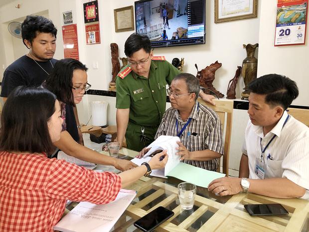 Vụ nhóm thanh niên xả rác, ném đồ ăn bừa bãi trong phòng nghỉ: Khách sạn Vũng Tàu bị tạm giữ giấy phép kinh doanh vì tăng giá phòng lên gấp đôi - Ảnh 1.