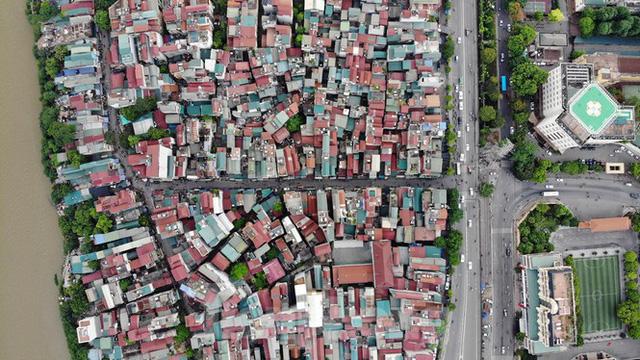 Cận cảnh nơi dự kiến xây dựng cầu Trần Hưng Đạo nối quận Long Biên - Hoàn Kiếm  - Ảnh 1.