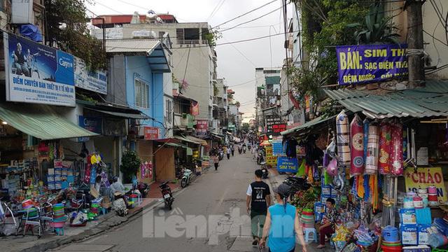 Cận cảnh nơi dự kiến xây dựng cầu Trần Hưng Đạo nối quận Long Biên - Hoàn Kiếm  - Ảnh 2.