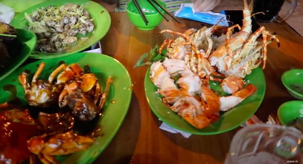 Giang Ơi bị nhận một cú lừa đắng nghét trong chuyến du lịch Nha Trang: Phải trả bữa ăn bình dân 5 triệu đồng, đã thế tài xế và nhà hàng móc nối bòn tiền của du khách - Ảnh 3.