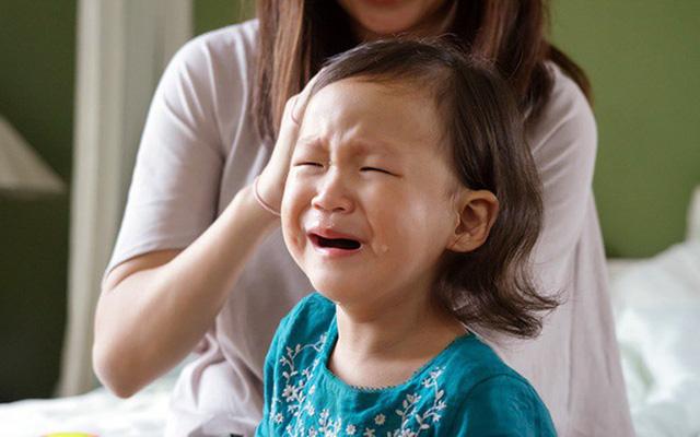 5 chữ giúp cha mẹ dạy trẻ biết kiểm soát tốt cảm xúc của bản thân: Hãy xem đó là những chữ gì! - Ảnh 2.