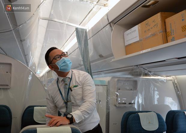 Ảnh: Bên trong chuyến bay đặc biệt đón 120 công dân nhiễm Covid-19 tại Guinea Xích đạo về nước - Ảnh 12.
