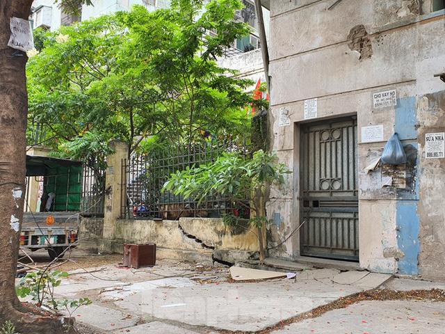 Tận thấy cảnh hoang tàn các khu nhà tái định cư ở Hà Nội  - Ảnh 12.