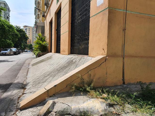 Tận thấy cảnh hoang tàn các khu nhà tái định cư ở Hà Nội  - Ảnh 17.
