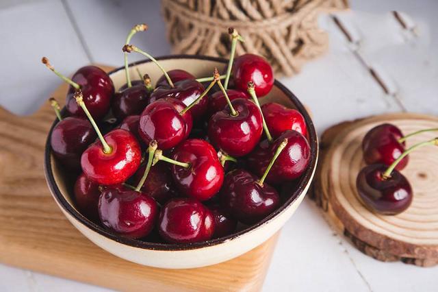 Trong quả cherry có 1 bộ phận cực độc: Khi ăn phải cẩn thận lược bỏ, nếu không có thể gây ngộ độc nặng dẫn đến tử vong  - Ảnh 2.