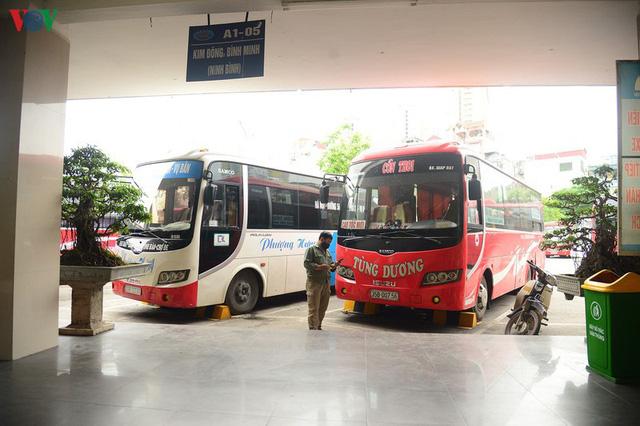 Dịch Covid-19 phức tạp, doanh nghiệp vận tải hành khách lo phá sản  - Ảnh 1.