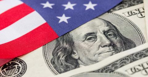 CNBC: Nền kinh tế Mỹ đã qua thời kỳ tồi tệ nhất nhưng tương lai không mấy tươi sáng - Ảnh 2.