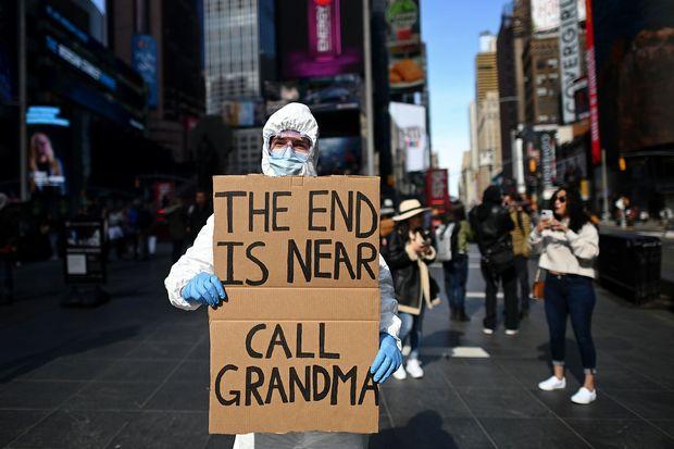 CNBC: Nền kinh tế Mỹ đã qua thời kỳ tồi tệ nhất nhưng tương lai không mấy tươi sáng - Ảnh 3.