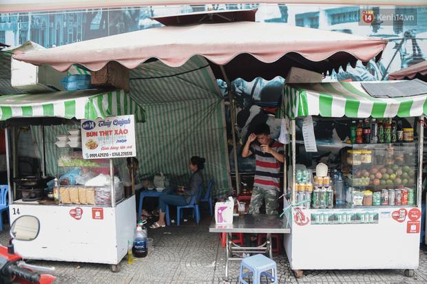 Phố hàng rong hợp pháp đầu tiên ở Sài Gòn hiện giờ ra sao sau gần 3 năm hoạt động? - Ảnh 15.