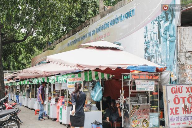 Phố hàng rong hợp pháp đầu tiên ở Sài Gòn hiện giờ ra sao sau gần 3 năm hoạt động? - Ảnh 3.