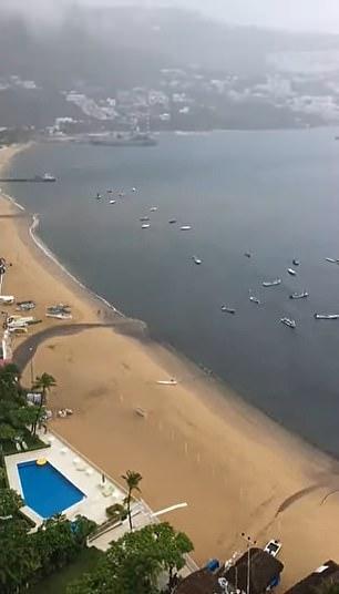 Video dòng nước thải đen ngòm xối thẳng ra biển khiến MXH dậy sóng, dân mạng phẫn nộ đòi tìm cho ra thủ phạm - Ảnh 4.