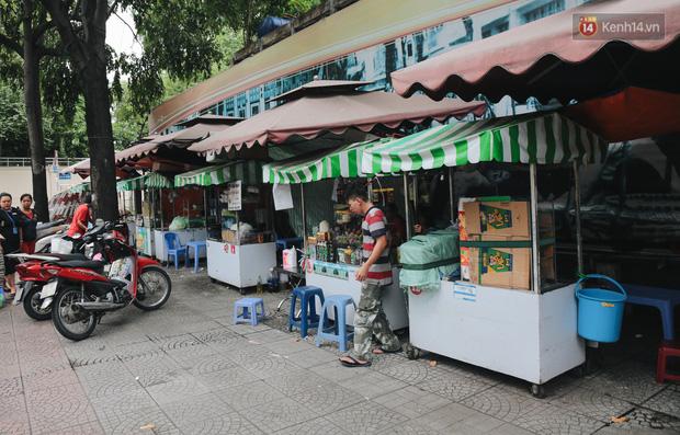 Phố hàng rong hợp pháp đầu tiên ở Sài Gòn hiện giờ ra sao sau gần 3 năm hoạt động? - Ảnh 8.