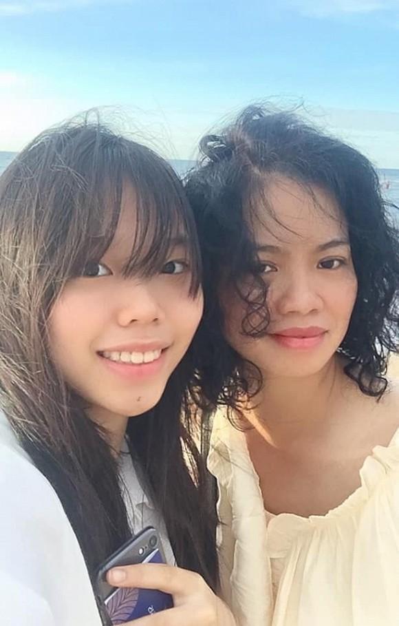 Sau 4 năm bố qua đời, con gái cố nghệ sĩ Trần Lập nay đã là nàng thiếu nữ phổng phao, xinh đẹp dịu dàng - Ảnh 2.