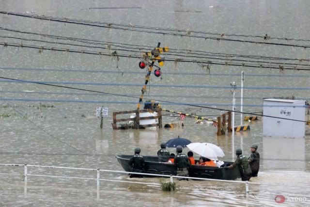Trung Quốc: Mưa lớn không dứt, lũ lụt dồn dập, người chết gia tăng - Ảnh 3.