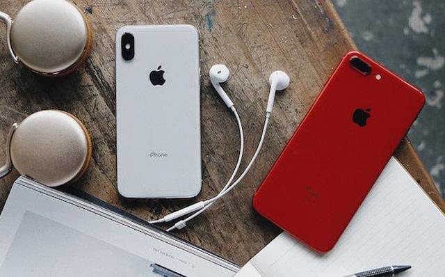 iPhone XS rớt giá kịch sàn, Galaxy Note 10 lao dốc gần 10 triệu  - Ảnh 1.