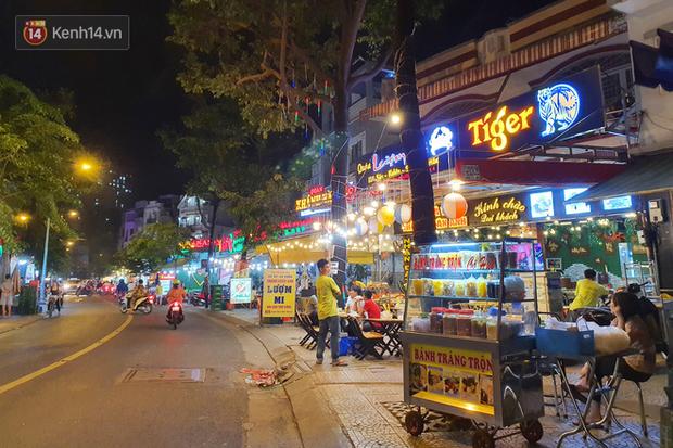 2 khu phố ẩm thực nổi tiếng ở Sài Gòn: Chỗ vắng vẻ đìu hiu, nơi tấp nập khách nhưng bán dưới 25 triệu một đêm vẫn lỗ - Ảnh 17.