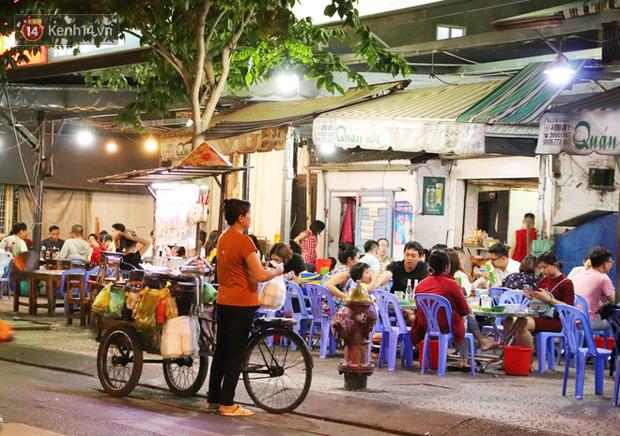 2 khu phố ẩm thực nổi tiếng ở Sài Gòn: Chỗ vắng vẻ đìu hiu, nơi tấp nập khách nhưng bán dưới 25 triệu một đêm vẫn lỗ - Ảnh 20.