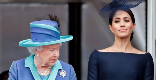 Hé lộ bằng chứng cho thấy mối quan hệ giữa Nữ hoàng Anh với Meghan Markle đã rạn nứt từ lâu khiến cô ôm hận trong lòng - Ảnh 2.