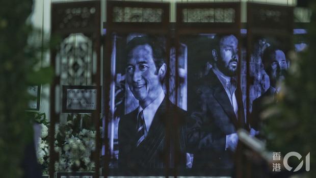Khung cảnh tại tang lễ Vua sòng bài Macau ngày thứ 2: Người dân mang di ảnh đến viếng, quan chức cấp cao và giới doanh nhân cũng có mặt - Ảnh 23.